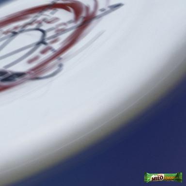 Milo - Frisbee