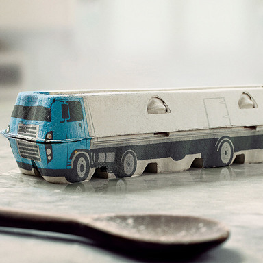 VOLKSWAGEN CUSTOMIZED TRUCKS (EGG BOX)