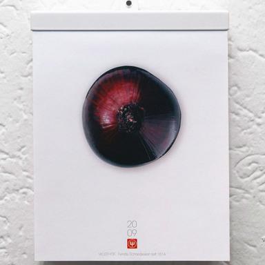 Onion calendar